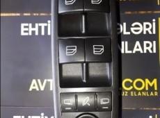 Mercedes mərkəz padyomnik