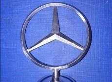 Mercedes E-class nişanı
