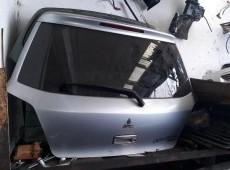 Mitsubishi Outlander baqaj kapotu