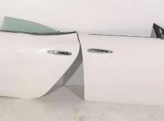 Maserati Ghibli qapıları